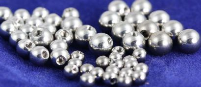 Threaded balls Plain Titanium Packs x 5